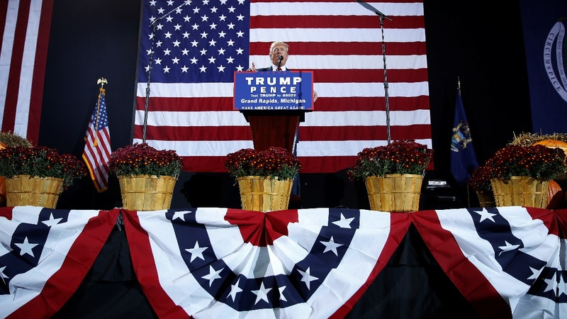 Trump goes on offense in Clinton strongholds