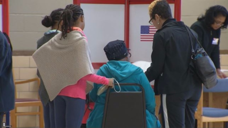 Low black turnout a new worry for Clinton