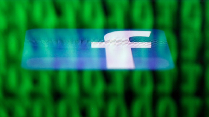 Facebook expects growth to slow, investors bolt