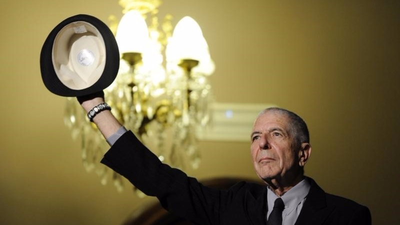 Legendary singer Leonard Cohen dies at 82