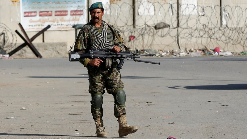 Suicide bomber kills four at U.S. Afghan base