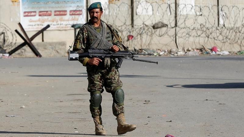 Suicide bomber kills four at U.S. Afghan base