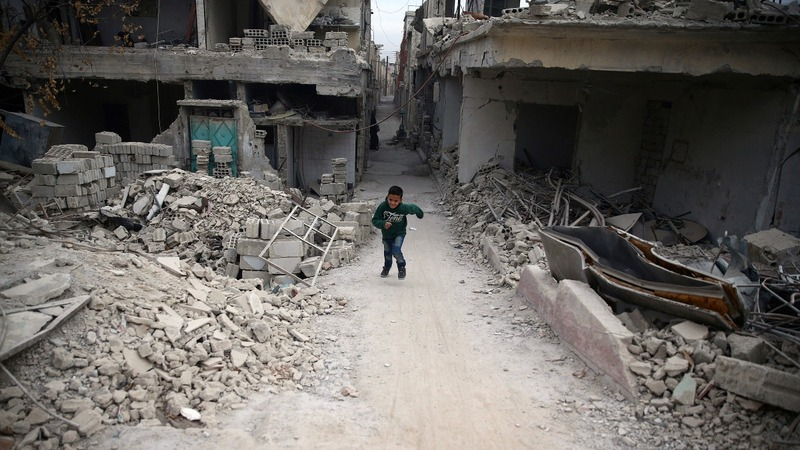 Aleppo residents told last chance to get out