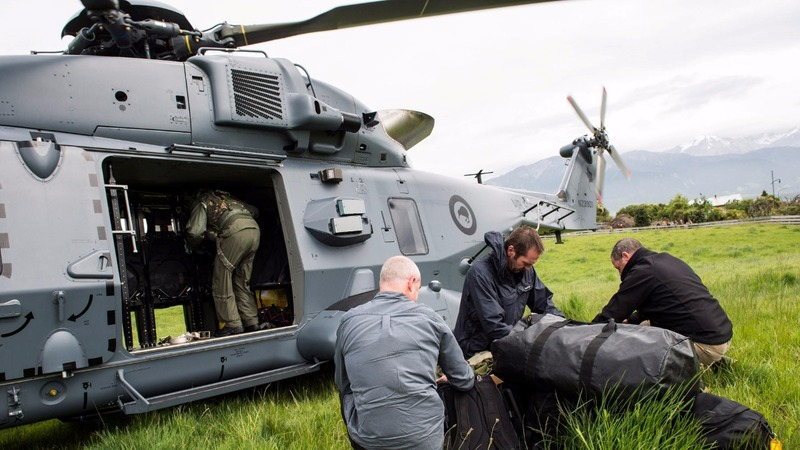 New Zealand evacuates tourists from quake-hit town