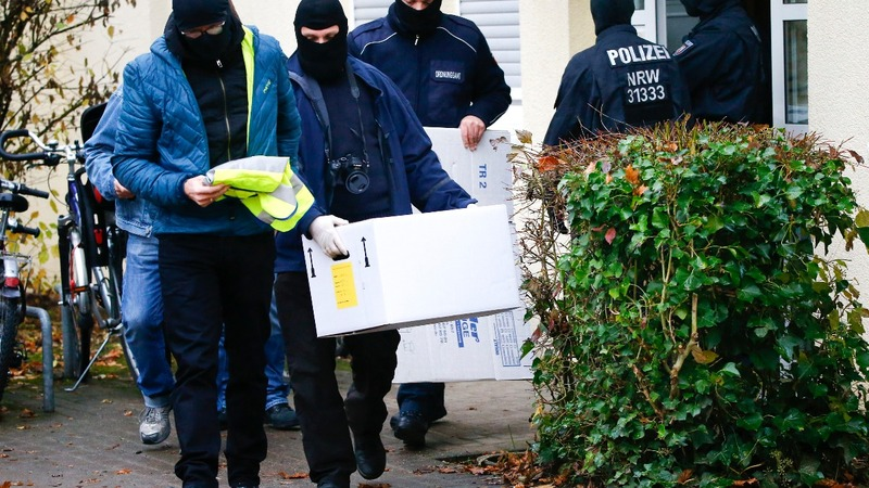 German police move against Islamist group
