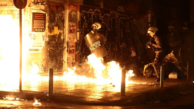 INSIGHT: Riots greet Obama's Athens visit