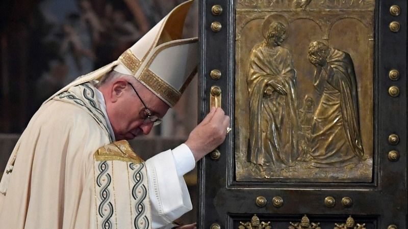 INSIGHT: Pope closes the door on 'Holy Year'