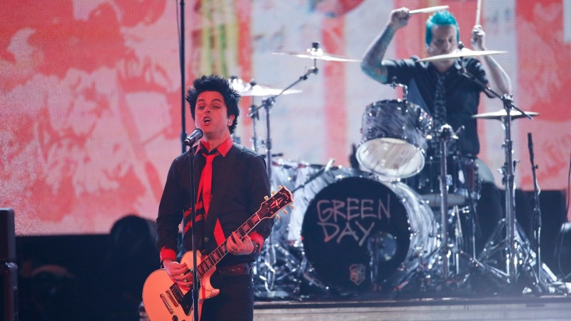 Alt-rock v. alt-right: Green Day gets political at music awards
