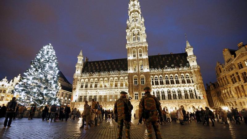 U.S. warns of European holiday terror risk