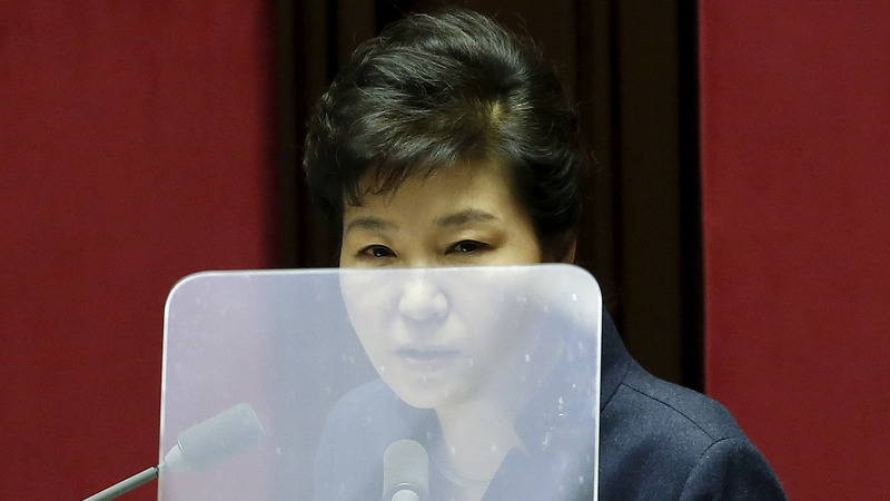 Power vacuum threatens S. Korea as scandal deepens