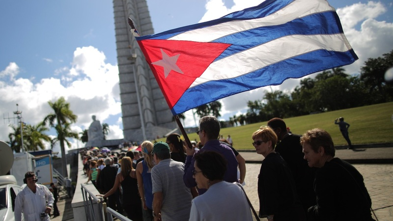 Thousands of Cubans pay last respects to Castro