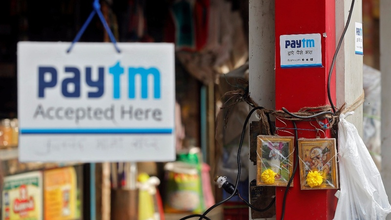 Mobile wallet apps cash in on India's money mess