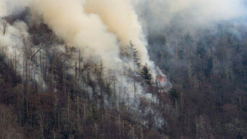 Tennessee wildfires force evacuations