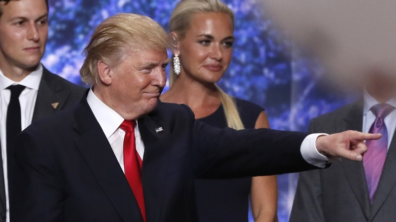 Trump embarks on victory tour