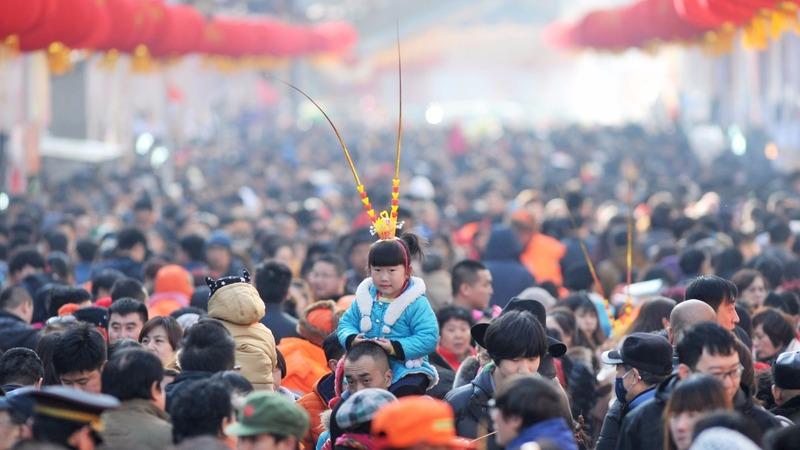 China mulls scrapping childbirth controls