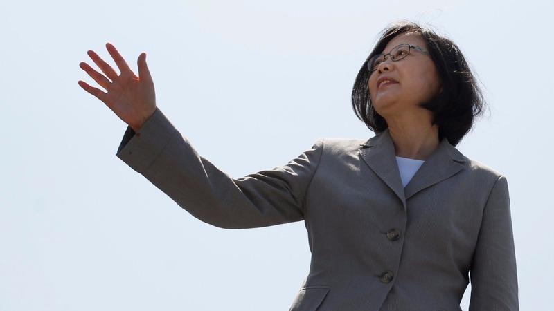 China urges U.S. to block Taiwan leader's transit