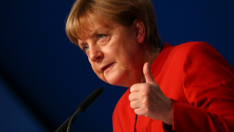 Germany's Merkel endorses calls for burka ban