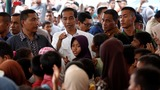 Indonesia's leader visits hard-hit quake zone