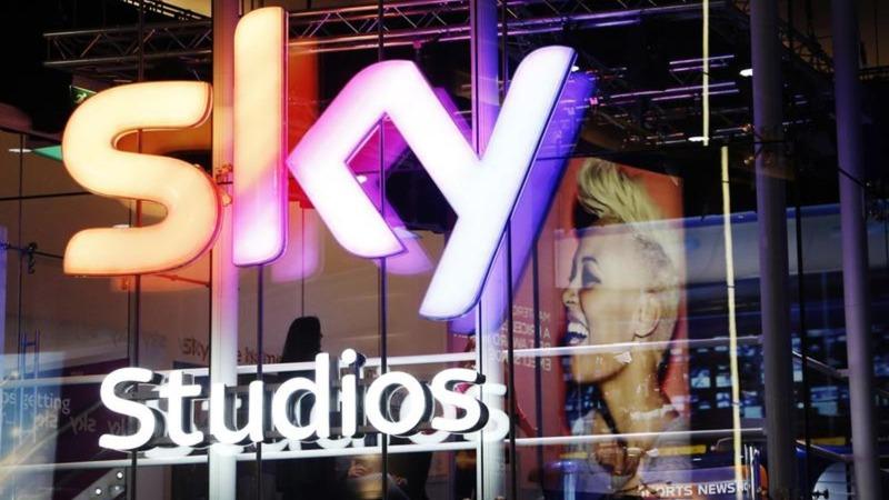 Murdoch's Fox bids for UK pay TV company Sky