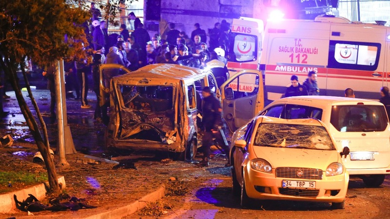 Suspected car bombs kill 13 in Turkey -official