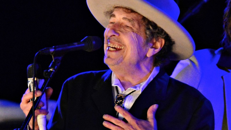 Dylan a no-show, but watch this Nobel performance