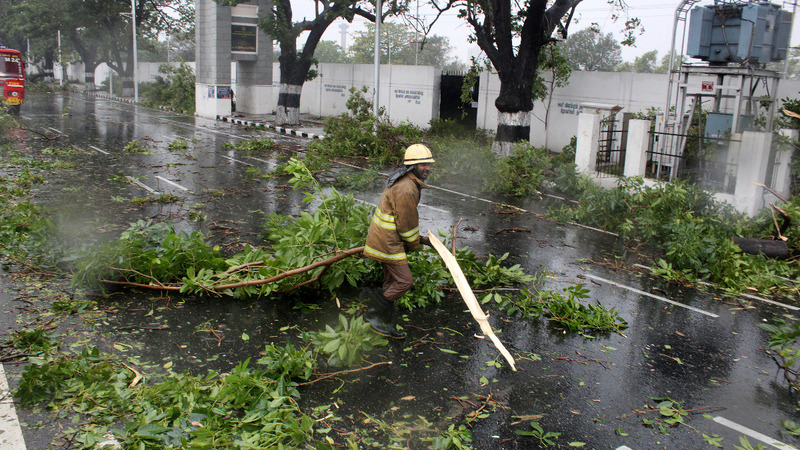 Four killed, thousands evacuated in Indian cyclone
