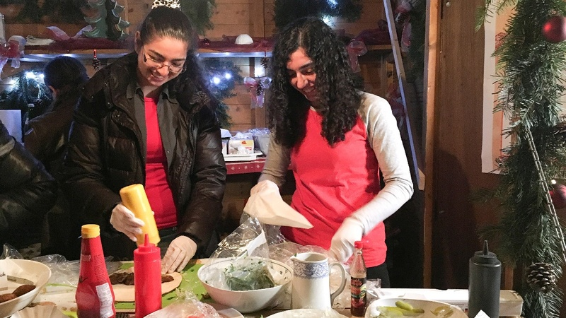 Refugees bring taste of Syria to Xmas market