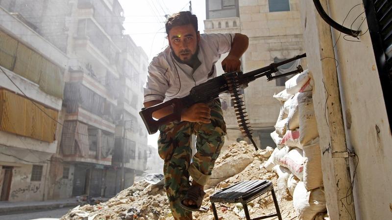Clashes erupt as Aleppo evacuation delayed