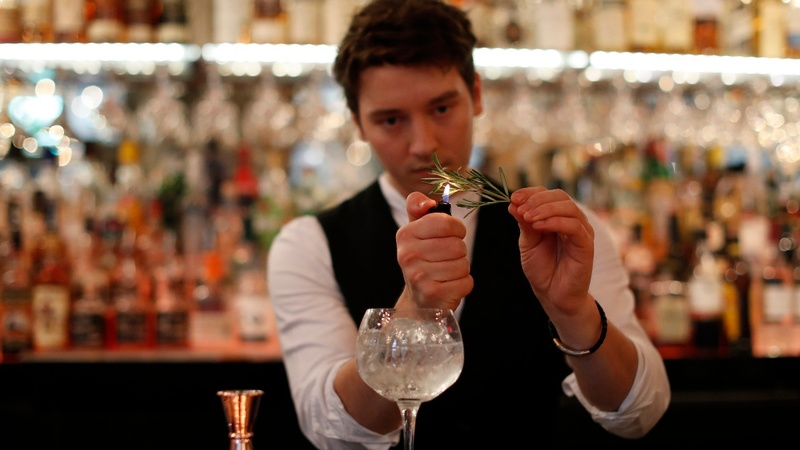 UK whisky distillers cash in on gin boom