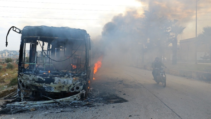 Buses set ablaze on way to Syrian villages