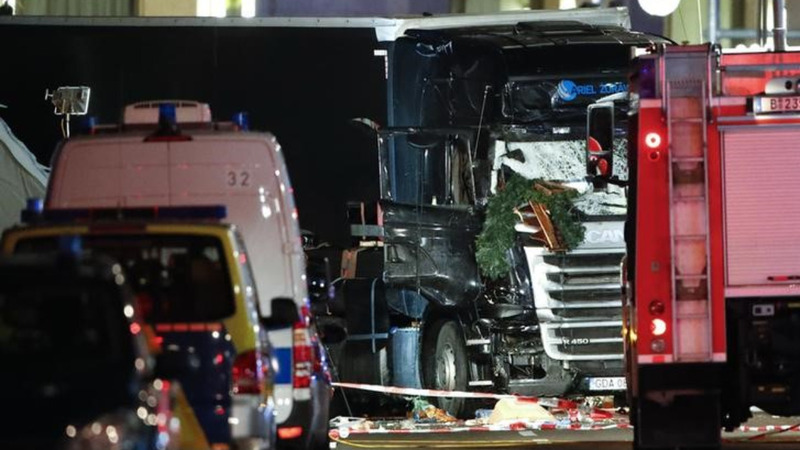Witnesses describe deadly attack at Berlin market