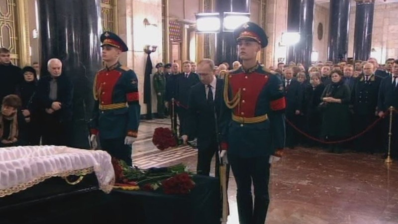 Slain Russian envoy gets state funeral