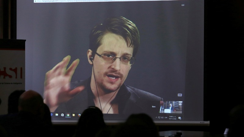 Report alleges Snowden in contact with Russian intel