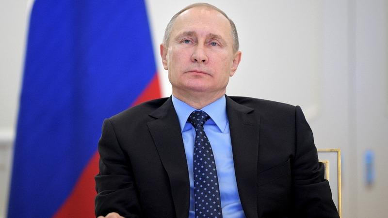 In strike against Putin, U.S. expels 35 Russian diplomats