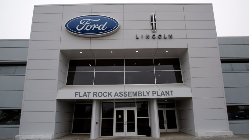 Ford scraps Mexico plant in Trump response, GM defiant