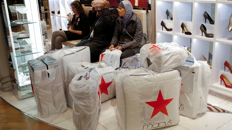 Macy's slashing 10,000 jobs after weak Christmas