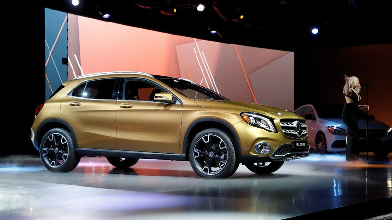 Cheers and fears at the Detroit auto show