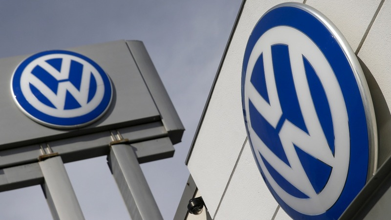 VW faces fresh headaches in U.S., UK