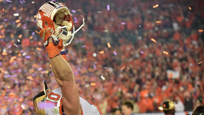 Clemson stuns in final seconds to clinch national title