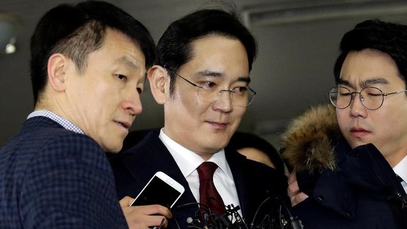 Threat of arrest looms over Samsung boss