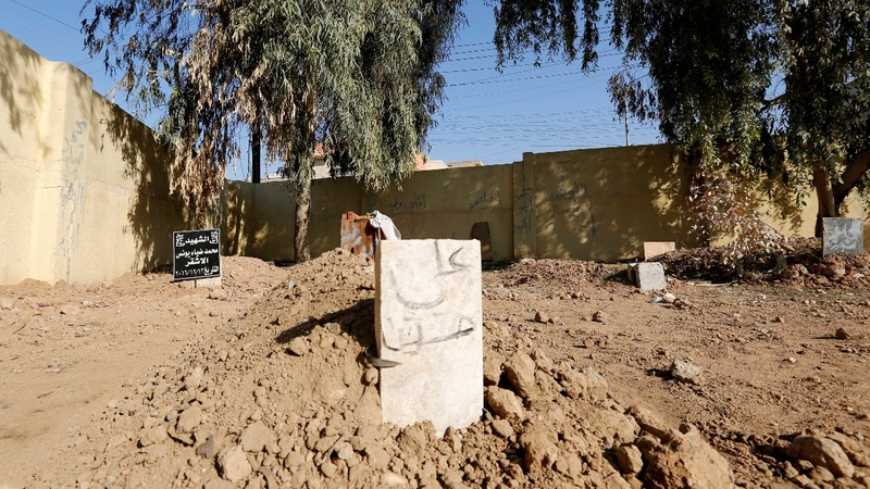 The makeshift cemeteries of Mosul