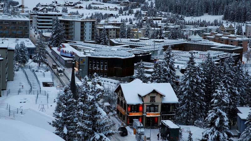 Trump heats up Davos' Arctic basecamp