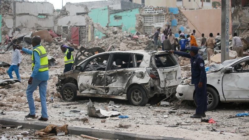 Double blast kills 13 in Somalia