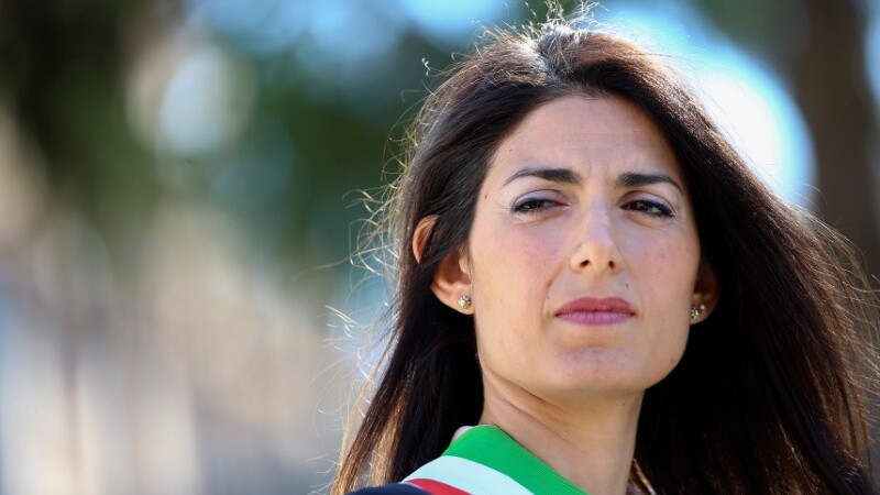 Legal woes weigh on Rome's mayor