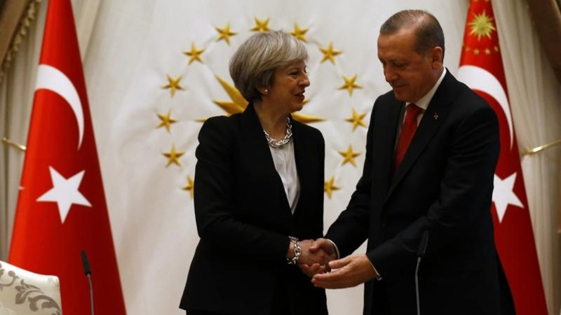 British Prime Minister talks trade, human rights in Turkey