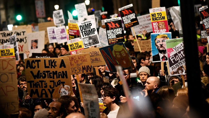 Trump's UK invite stands despite protests