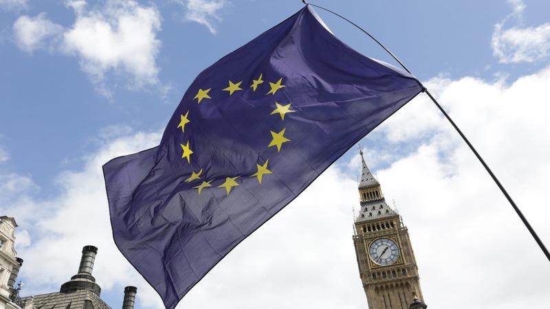 Brexit paper enters parliament