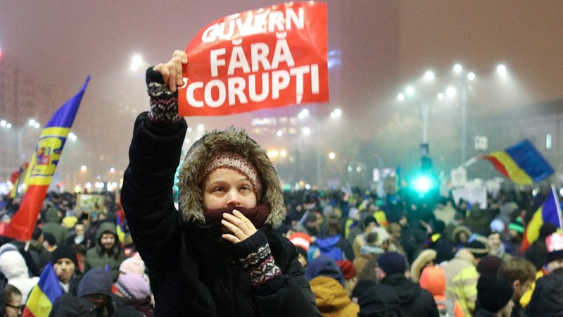Romanian protesters call for heads to roll