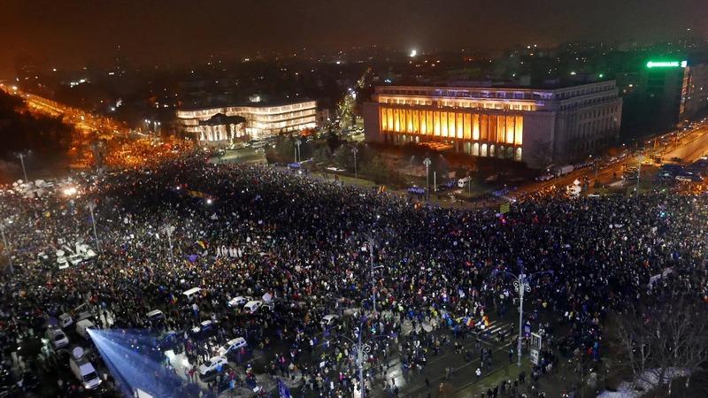 Romania government survives no-confidence vote