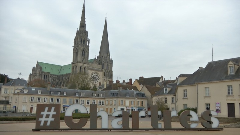 Jobs, trust top concerns in French bellwether town